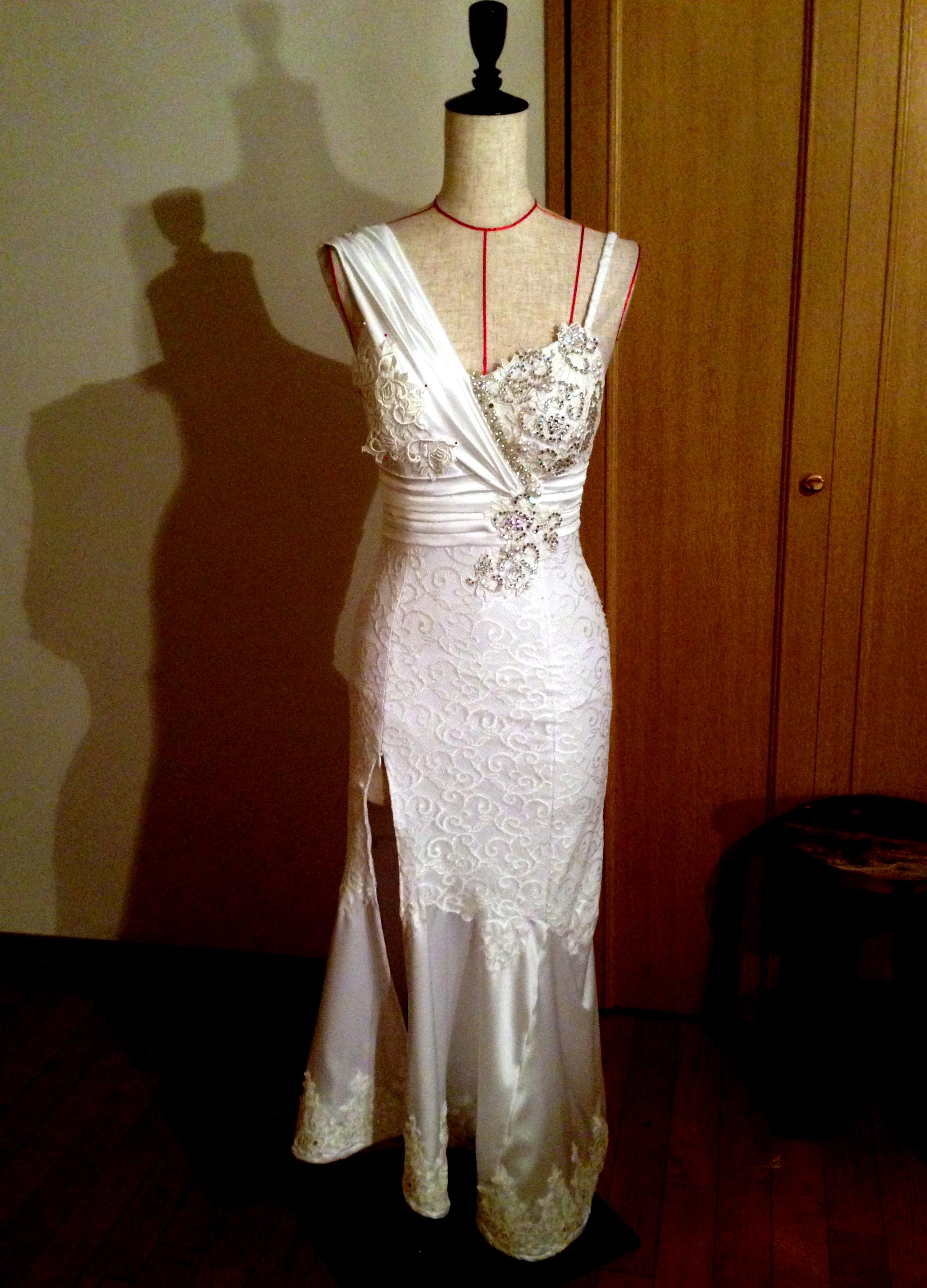 ウェディングダンス用白ドレス ~裁断から仮縫いまで~