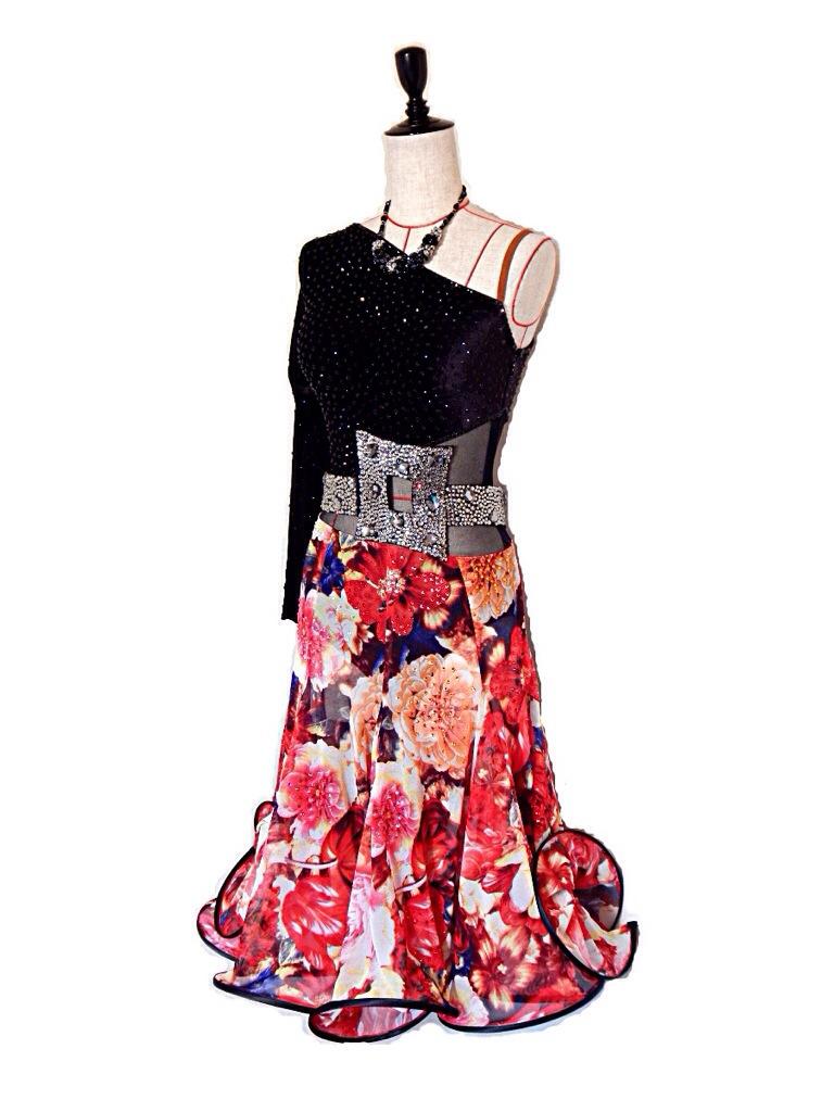 新作!黒ベルベット×花柄フレアスカートラテンドレス