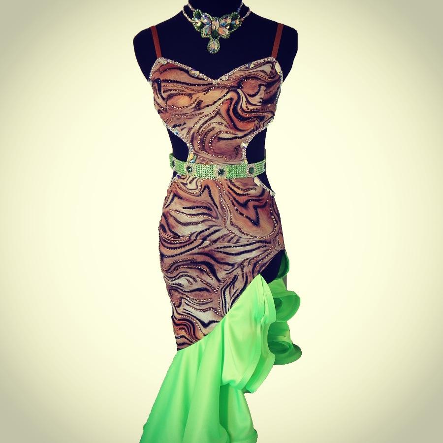 トラ柄×アップルグリーンラテンドレス