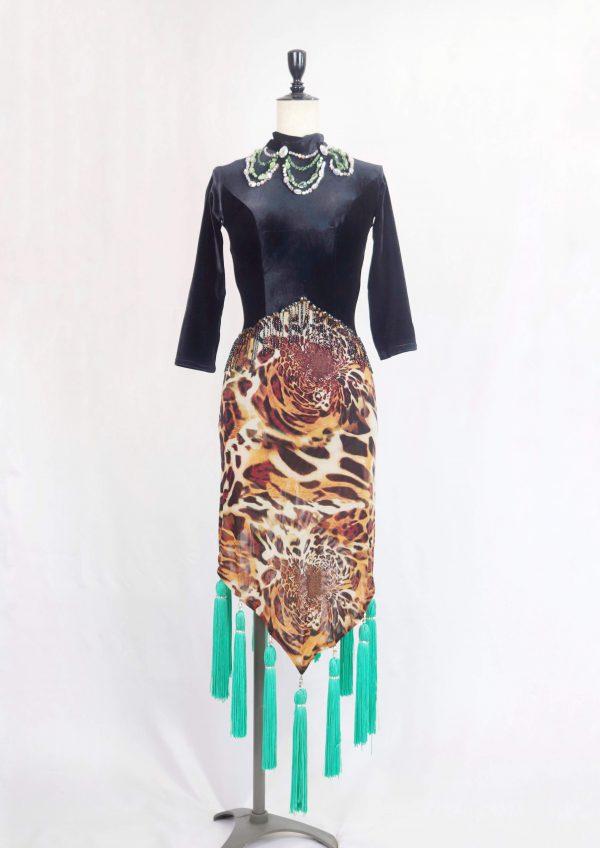 アニマル柄×ブラックベロアラテンドレス