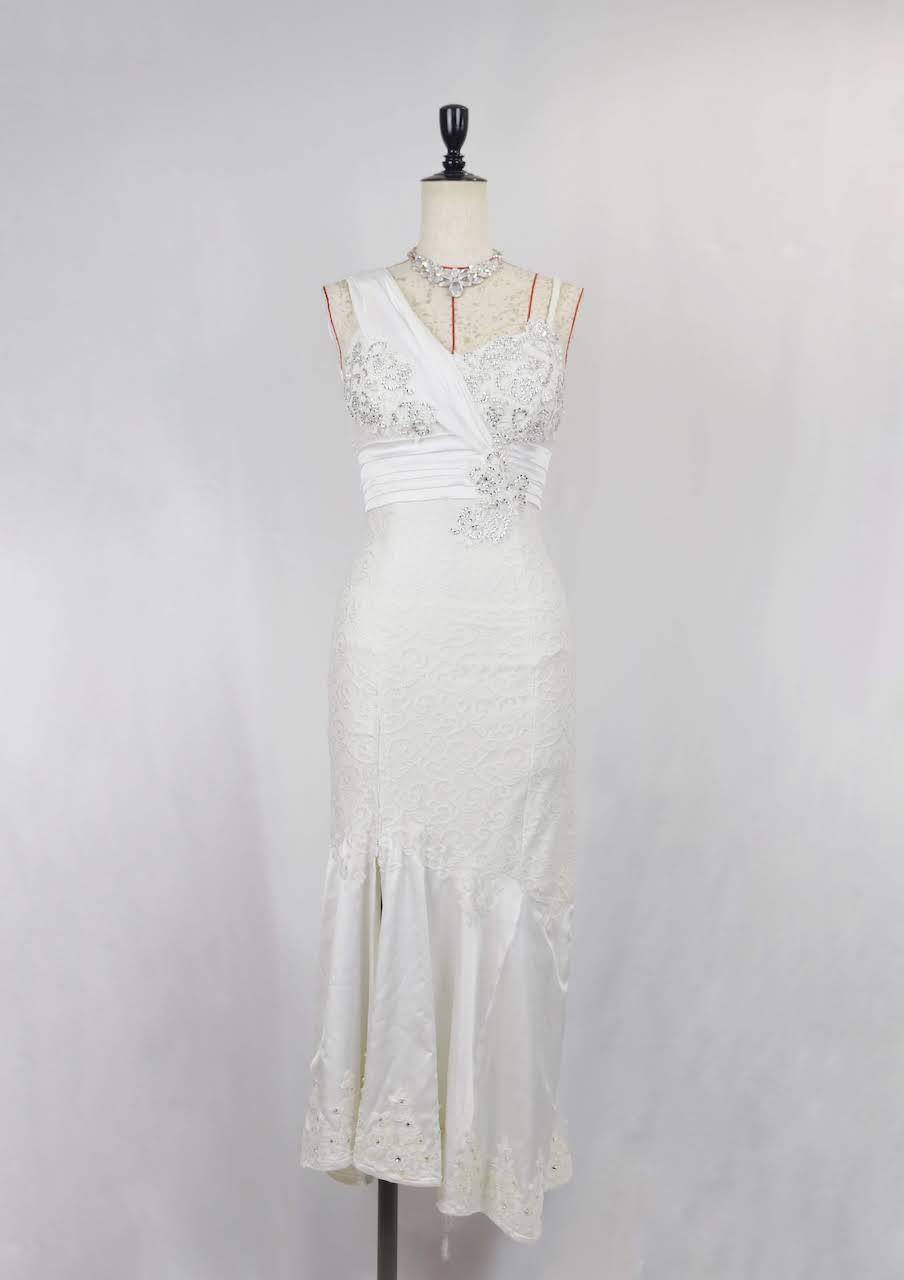 ホワイトラテンドレス